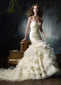 lazaro-bridal-silk-satin-organza-flamenco-gown-sweetheart-neck-draped-ruffle-pleated-skirt-chapel-train-3050_zm